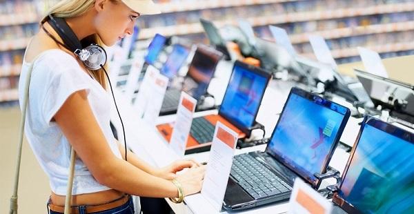 избор на нов лаптоп, компютър, монитор